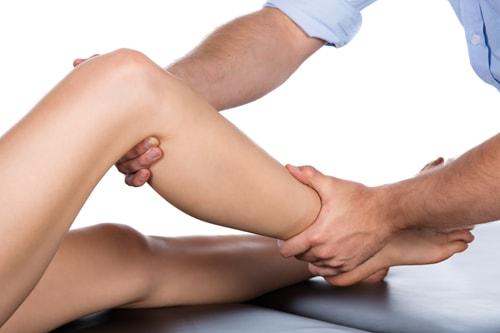 膝が伸びないのは変形性膝関節症の症状