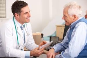 変形性膝関節症の名医は話を聞く