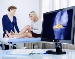 原因は数多!なぜ女性は変形性膝関節症になりやすいのか