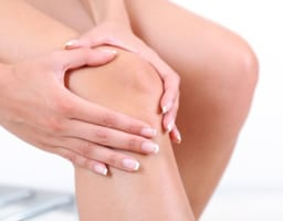 変形性膝関節症のマッサージの意外な目的〜マッサージ法も紹介〜